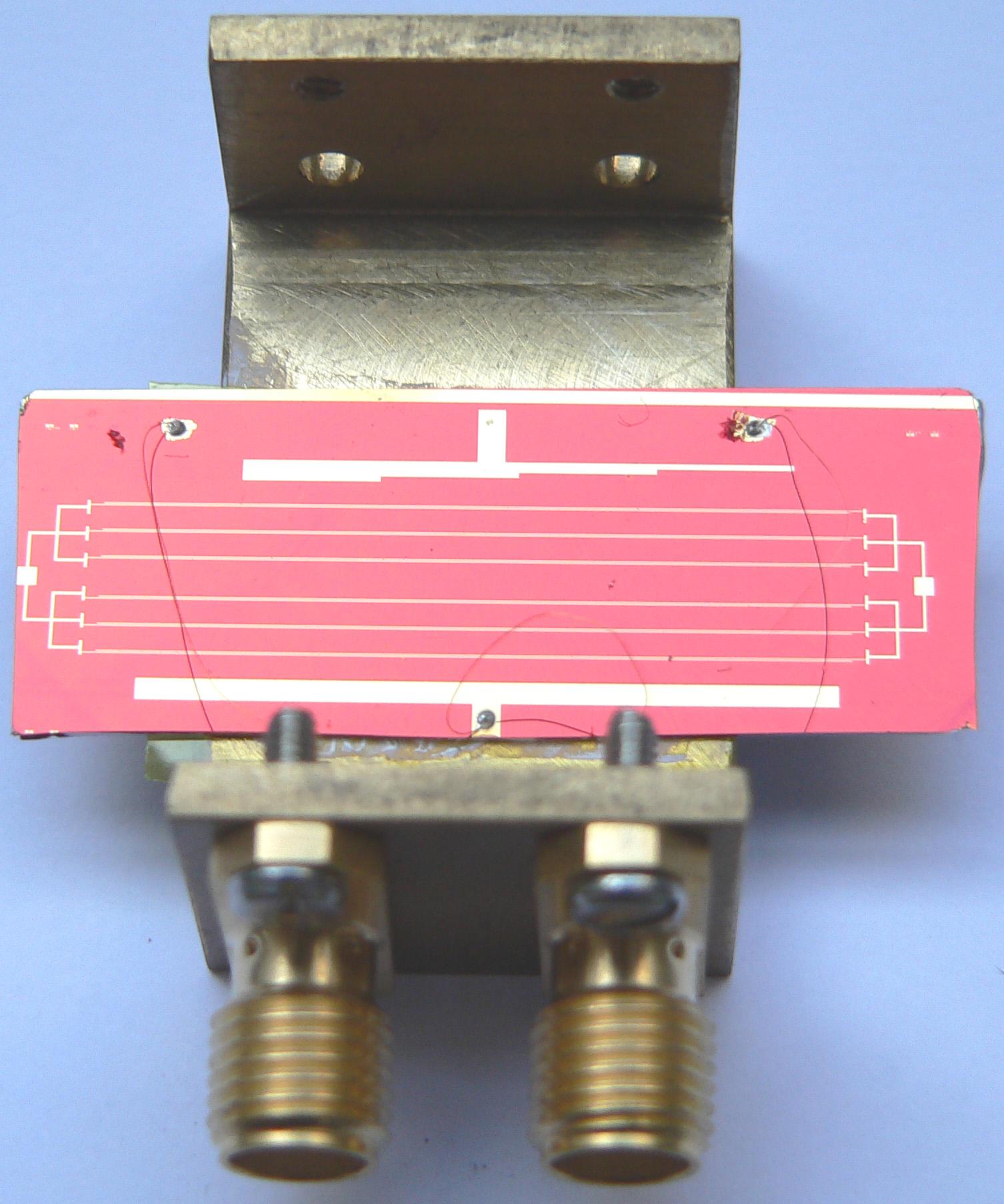 Montage d'un modulateur électro-optique à base de polymères